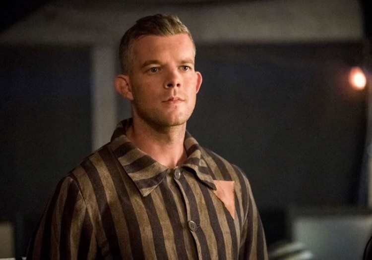 Russell Tovey Supergirl